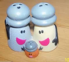 Novelty Salt And Pepper Shakers Blues Clues Mr U0026 Mrs Salt U0026 Pepper U0026 Baby Paprika Shaker Vinyl