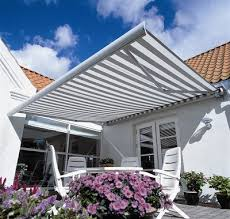 Commercial Retractable Awnings Residential Retractable Awnings Canvasworks Inc In Kennebunk Maine