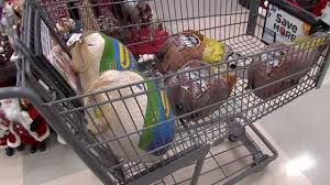 shoppers stock up on day of thanksgiving supplies story kriv
