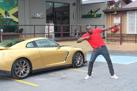 golden cars wallpaper usain bolt golden nissan gt r picture 84943
