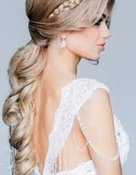wedding hairstyles for medium length curly hair wedding party