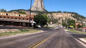 Wyoming travel watch images Road to devils tower wyoming jpg