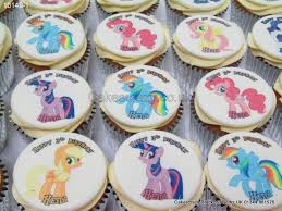 my pony cupcakes my pony cupcakes cakescrazy bespoke cupcakes character