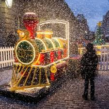the lego 2015 christmas build puffs into covent garden piazza