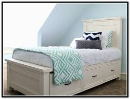 Twin Bed As Sofa by The 25 Best Twin Storage Bed Ideas On Pinterest Diy Storage Bed