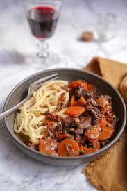 comment cuisiner la joue de boeuf joue de bœuf aux carottes recette de viandes gourmandiseries