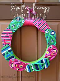 flip flop wreath tutorial tuesday summer flip flop wreath like whoa