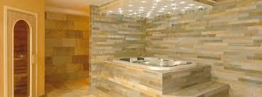 piastrelle in pietra per bagno rivestimento in pietra multicolor per interni