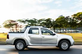renault duster 2017 white renault duster oroch pickup truck released in brazil 73 photos