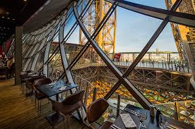 eiffel tower interior 5 of the best restaurants near the eiffel tower global blue