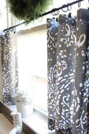 rideaux de cuisine design cuisine design rideaux cuisine courts gris motifs blancs
