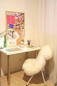 bureau diy diy 18 déco un bureau customisé avec des pieds or c by clemence