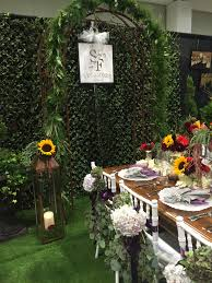 the barn at sycamore farms debuts plans at the pink bride show