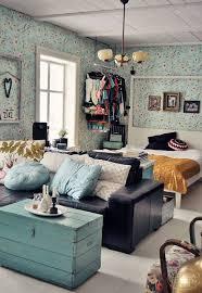 The Best Part Of This Studio Apartment Is The Makeshift Closet - Interior design ideas studio apartment