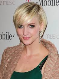 ashlee simpson layered razor cut short hairstyles lookbook