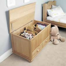 chambre enfant bois massif design interieur meuble rangement enfant coffre bois massif tiroirs