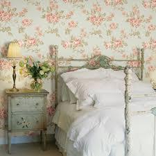 Vintage Bedroom Decorating Ideas Winning Yellow Vintage Floral Wallpaper Bedroom Decor Ideas Red