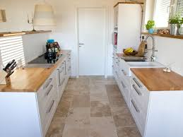 fliesen für die küche kundenfoto travertin fliesen rustic verlegt in der küche konyha