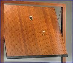 porte basculanti per box auto prezzi porte basculanti in legno per garage