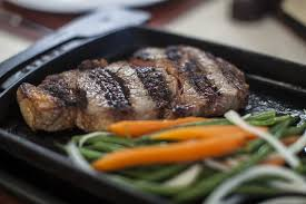 best steakhouses in miami for juicy wagyu rib eyes and sirloin