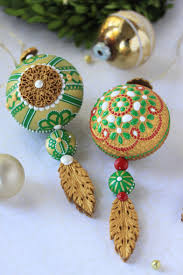 release how to make embossed ornament cookies