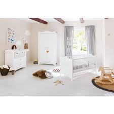 chambre complète bébé avec lit évolutif pack chambre bébé avec lit évolutif 140x70 cm commode à langer