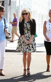jim lexus beverly hills reese witherspoon goes out shopping in beverly hills august 2014