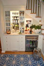 cuisine sous escalier adoptez l aménagement sous escalier chez vous basements bar