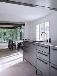 vipp cuisine maison en bretagne cabane en verre dans les bois côté maison