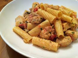 a taste of home cooking rigatoni with chicken bacon and mushrooms