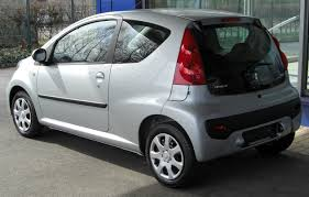 peugeot wiki file peugeot 107 facelift rear 20100402 jpg wikimedia commons