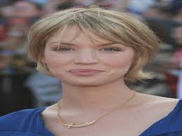 short hairstyles women over 50 round faces hairstyles for women