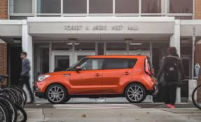best subcompact suv kia soul u2013 2017 10best trucks and suvs u2013 car