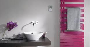 seche serviette cuisine le radiateur sèche serviette le chauffage qui a la cote dans la