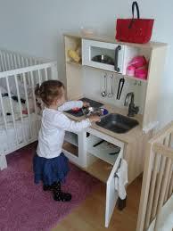 mini cuisine enfant cuisine en bois enfant ikea idées de design maison faciles