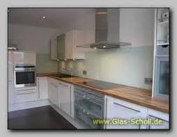 spritzschutz für küche extrem langer küchen spritzschutz aus lackiertem sicherheitsglas