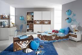 chambre garcon pirate armoire enfant contemporaine portes coulissante blanche avec décors