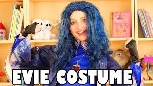 descendants halloween costumes party city evie costume from descendants for halloween evie review