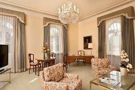Schlafzimmer Einrichten Wie Im Hotel Wyndham Grand Hotel Bad Reichenhall Axelmannstein Hotelzimmer