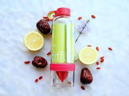 membuat infused water sendiri 5 botol minum terbaik untuk bikin infused water tanpa repot