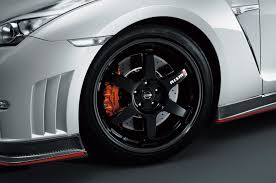 nissan gtr matte black gold rims 2015 nissan gt r nismo has a staggering 600 hp