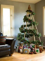 35 and crafty unique tree decor for the coming 25th
