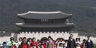 families gather to celebrate korean thanksgiving of chuseok