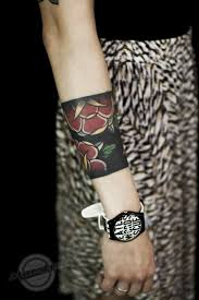 not crazy about this particular tattoo but am digging the style