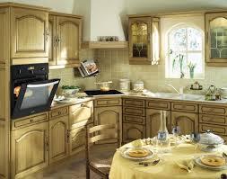 cuisine ancienne cuisine ancienne avec des meubles en bois clair