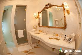 Extreme Bathrooms Best Hotel Bathrooms In New York The Plaza Oyster Com
