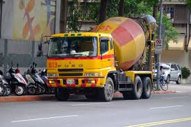 truck mitsubishi fuso file taisan mitsubishi fuso super great cement mixer truck at