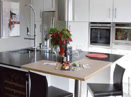 cuisine bi couleur bi matière deux matériaux ont été retenus pour le plan de travail