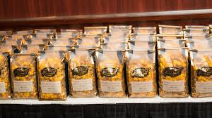 Garretts Popcorn Wedding Favors by Favors Guests Will Fall For House Of Brides