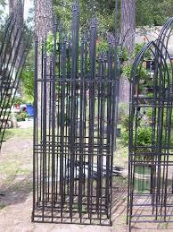 garden trellis fence style